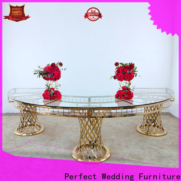Latest wedding centerpieces tables half manufacturers for wedding ceremony