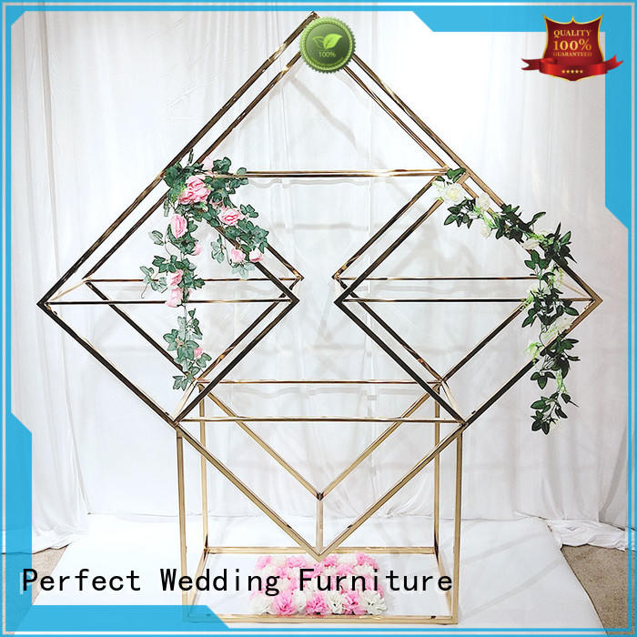 Perfect Wedding Furniture wedding decorative shelves to place your precious trinkets for wedding ceremony